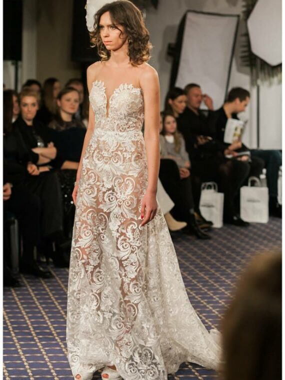 Lace sexy wedding dress , bridal gown