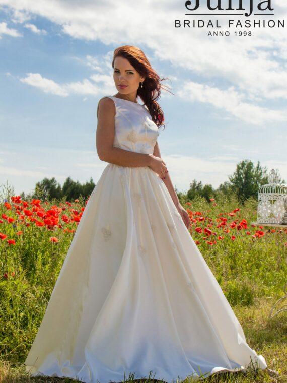 Wedding dress , bridal gown