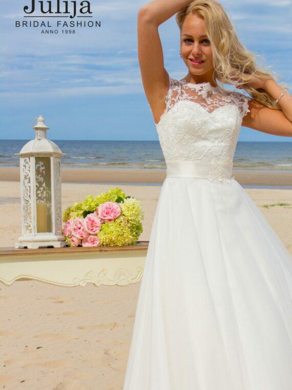 Lace wedding dress by Julija Bridal Fashion