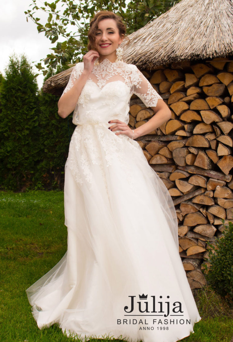 Boho wedding dress, wears