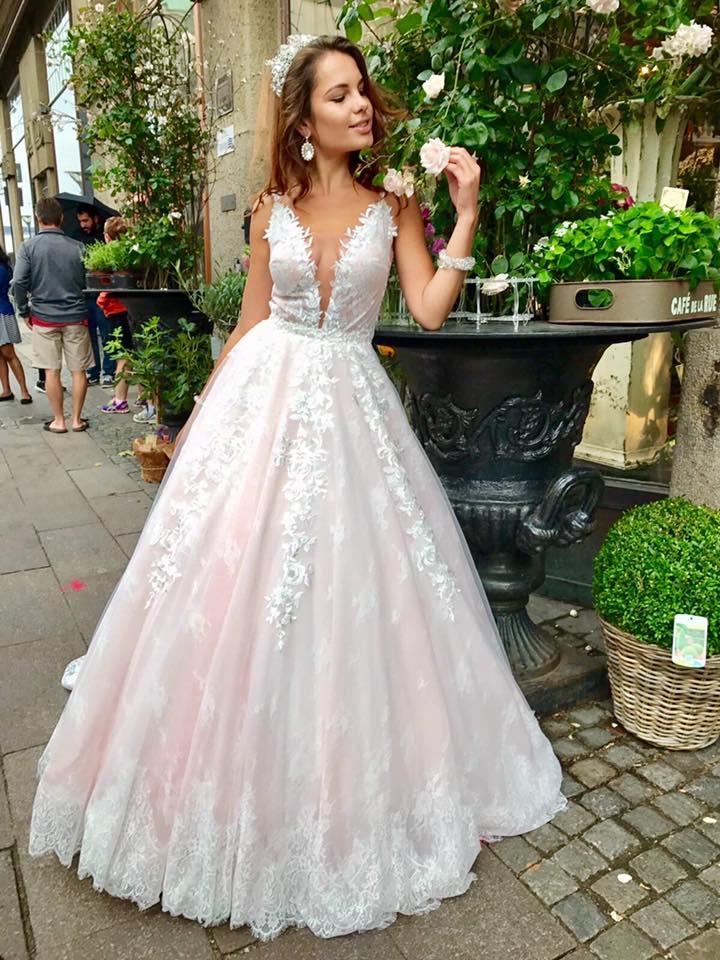 Wholesale wedding dresses Europe