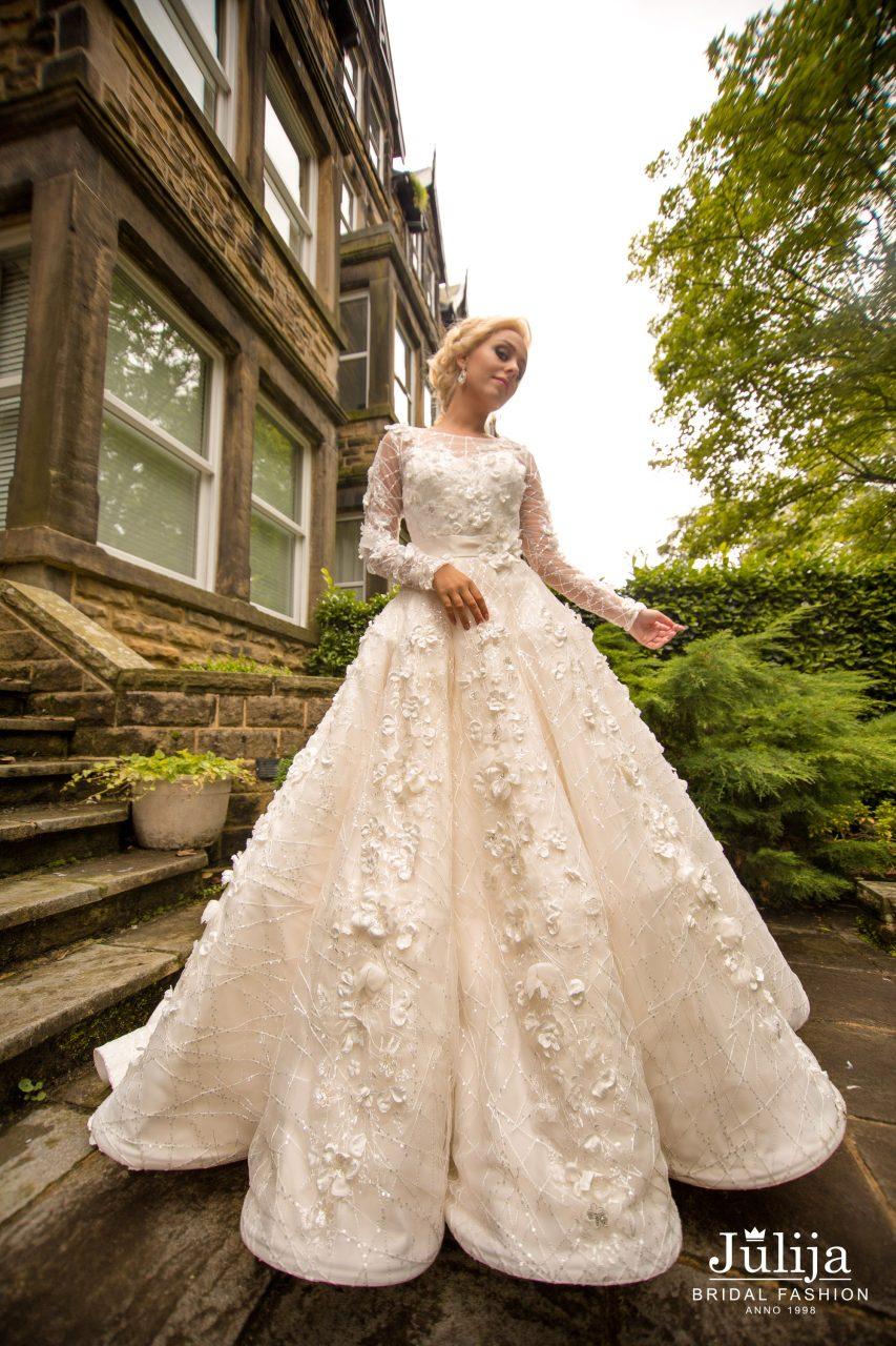Almelia wedding