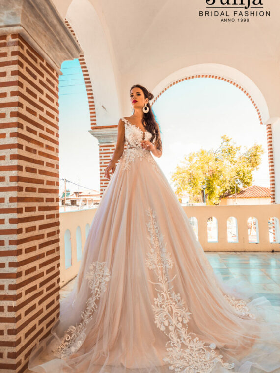 Wholesale wedding dresses in Europe