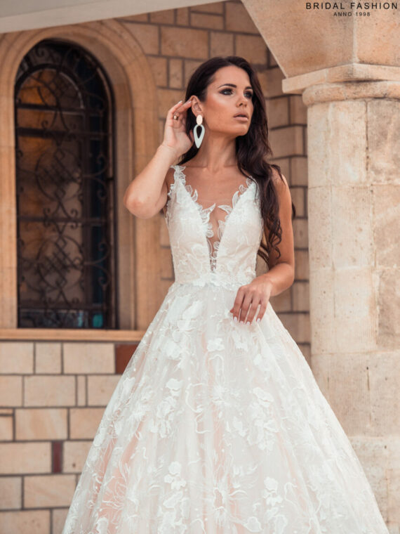Wholesale wedding gowns