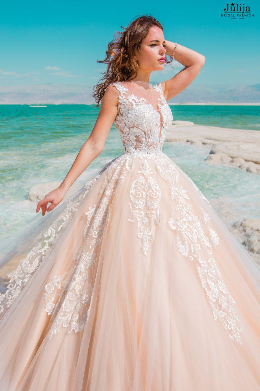 Daniella   Production of wedding dresses, bridal gowns. Wholesale
