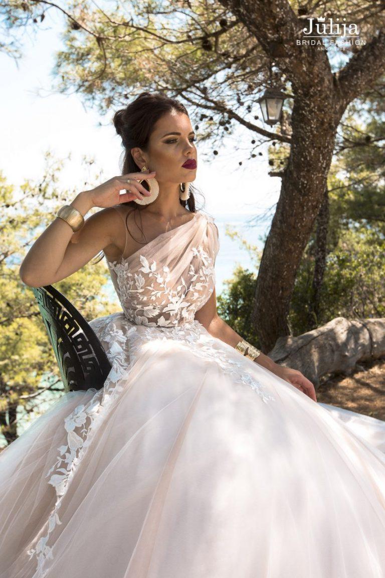 Свадебные платья от кутюрье