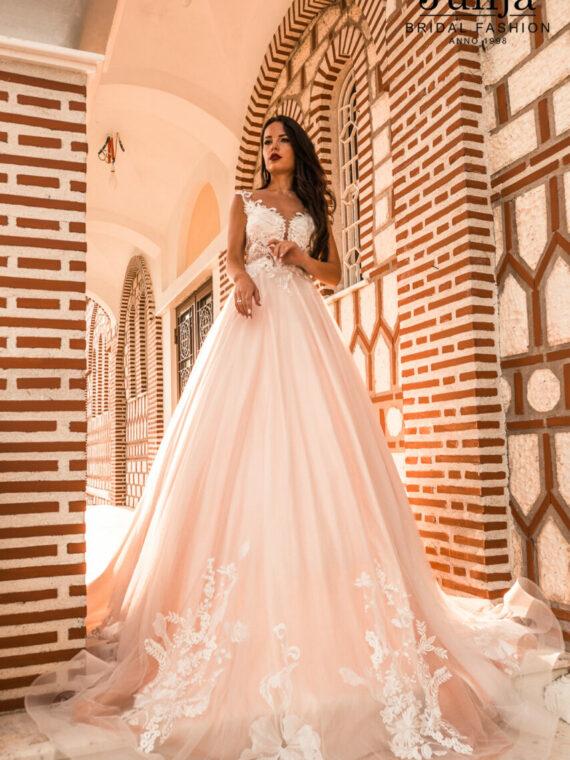Wholesale wedding dresses in Europe
