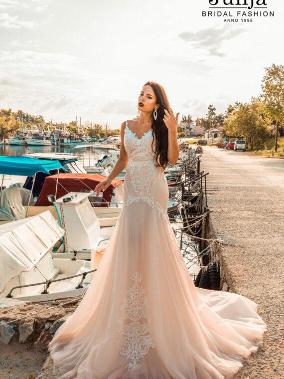 Wholesale bridal dresses in Europe